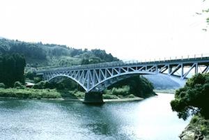 当時の面影が残る美々津川の風景