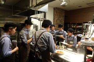 新入社員研修風景@PBSキッチン