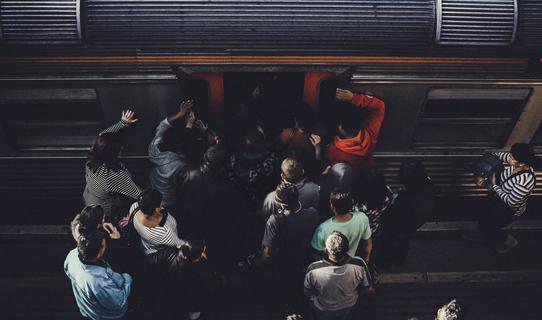 満員電車イメージ